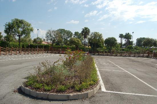 Colonia Elena, Italia: parcheggio esterno / outdoor parking