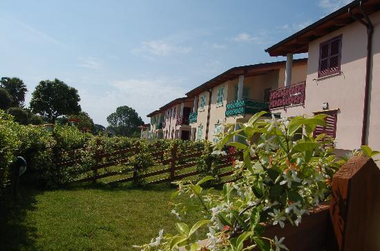 Colonia Elena, Italia: giardini / garden