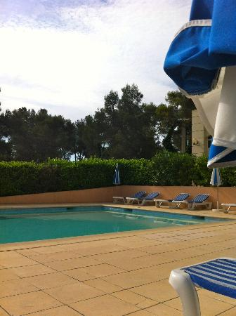 Hotel Royal Mirabeau by HappyCulture : piscine