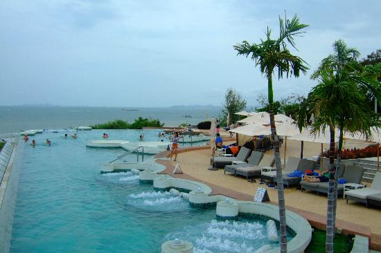 Royal Cliff Grand Hotel : Infinity Pool