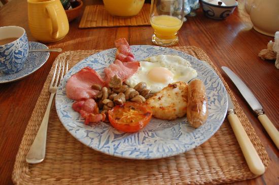 Garth House: ゲストハウスの朝食