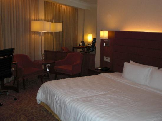 Rembrandt Hotel Bangkok : Nice Bed Room