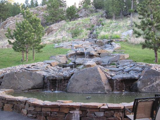 Holiday Inn Express Custer: Waterfall