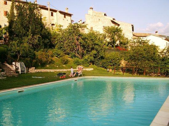 Vallo di Nera, Italië: Piscina