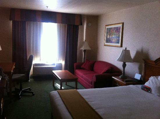 Holiday Inn Express Bakersfield : view from the door