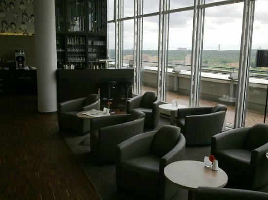Novum Winters Hotel Spiegelturm: Bar im 16. OG