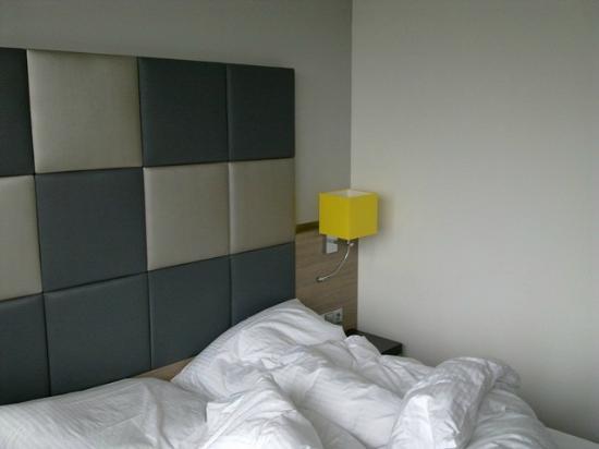 Novum Select Hotel Berlin Spiegelturm: Zimmer