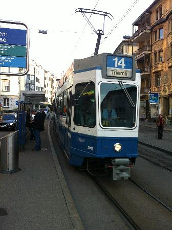Hotel Krone Unterstrass: Tram stops at front door