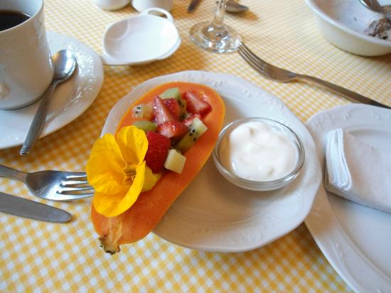 La Pension Guest House: immaculate and personalised breakfast service