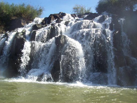 Provincia de Misiones, Argentina: otra cascada ,en los saltos del mocona ,un paisaje increible..