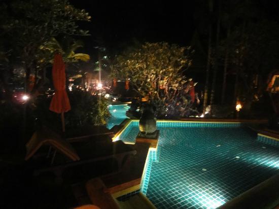 Amari Vogue Krabi: 夜景