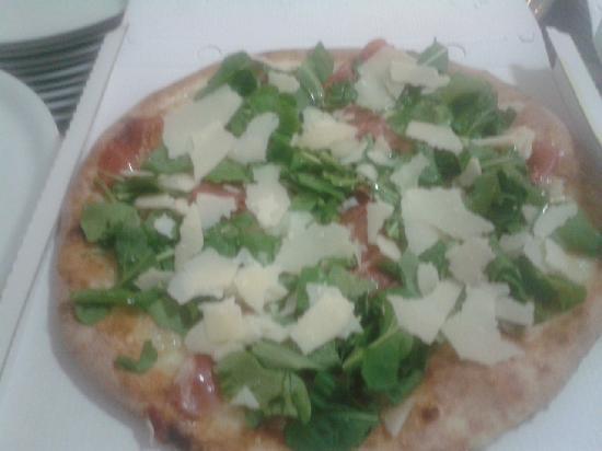 Pizzeria Albatros : Rucola grana e speck....