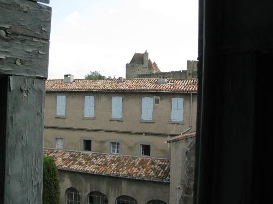 Notre Dame de l'Abbaye: Daytime View