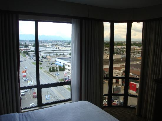 Hilton Vancouver Airport: View from corner Suite