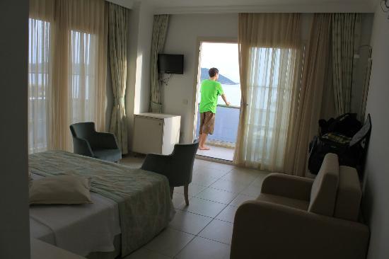 Narr Hotel: Room