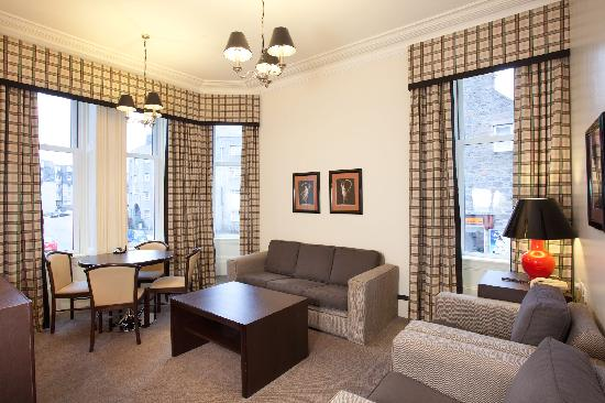 Skene House Rosemount: Executive suite lounge