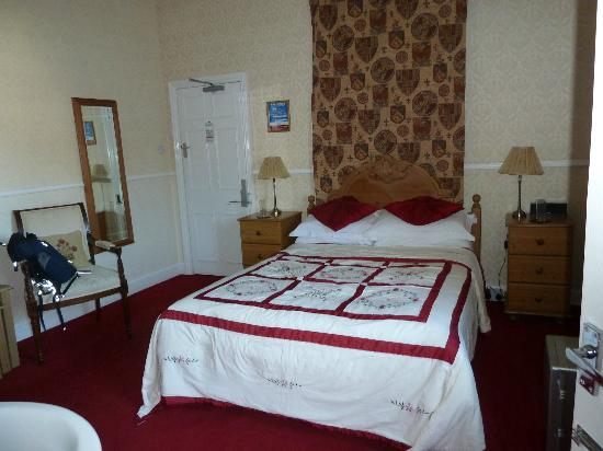 Victoria House B&B: Lovely room, and there's more you can't see