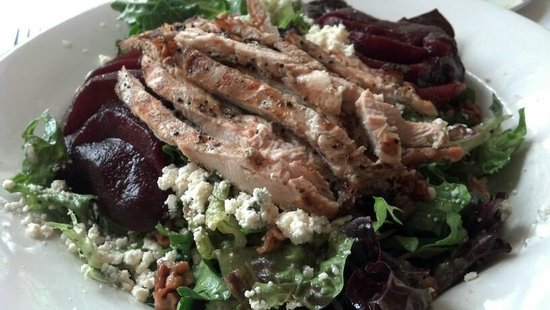 The Terrace Grille: Pear Salad with Grilled Chicken....large and delicious!