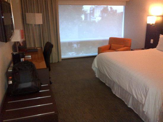 Hotel Novit: Cuarto amplio