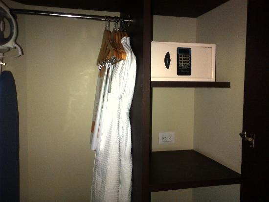Hotel Novit: Bata de baño