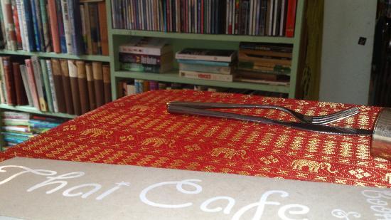 Boulevard Bookshop and Thai Cafe: restaurant