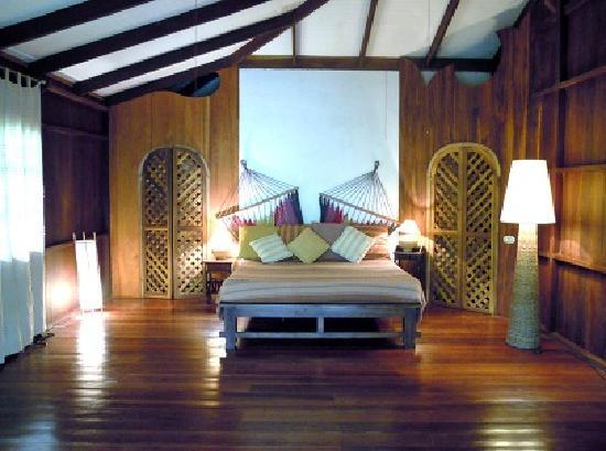 Manu Yoga Village: suite, master bedroom