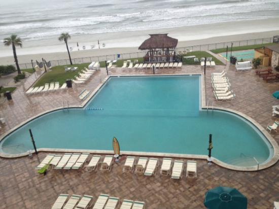 Hawaiian Inn: pool view from room
