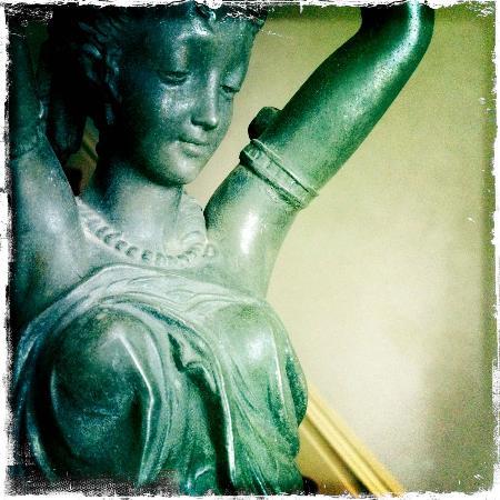 Kirkman House Museum: Lady Lamp
