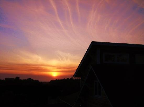 Boreas Bed and Breakfast Inn: Another perfect sunset...as picturesque as Hawaii's sunsets any day!