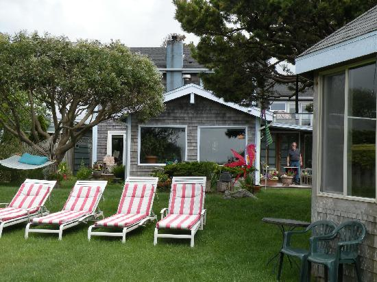 Boreas Bed and Breakfast Inn: A spring shot from the ocean side of Boreas