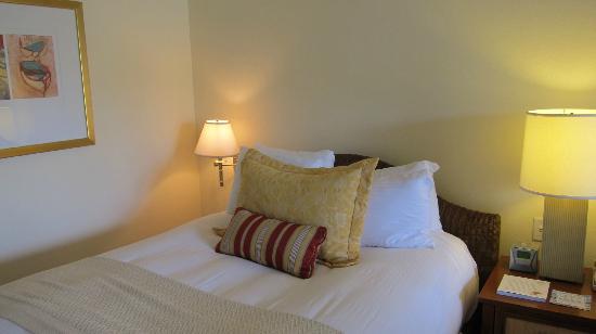 Balboa Bay Resort: Comfy beds