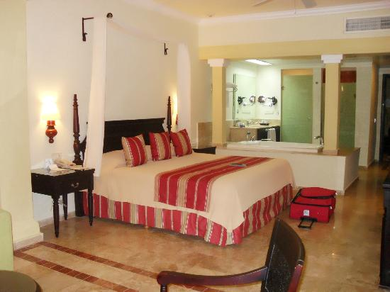 Grand Palladium Lady Hamilton Resort & Spa: Our suite