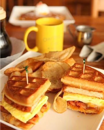 Charleston's Cafe