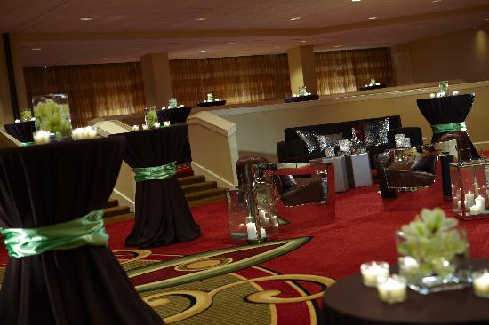 How To Set Up A Hotel Room Party