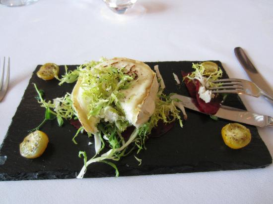 The Drawing Room : starter - Marinated Beetroot with Grilled Goats Cheese