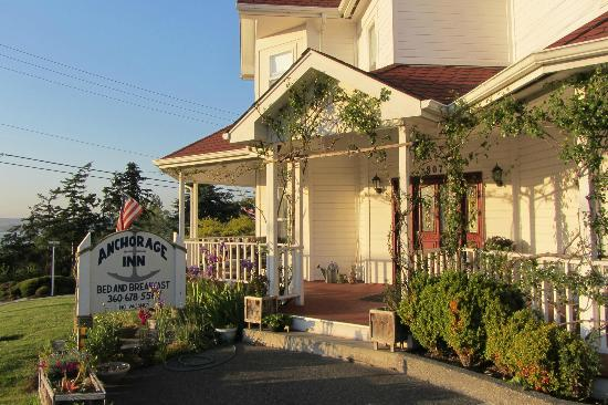 Anchorage Inn Bed and Breakfast: Entrance