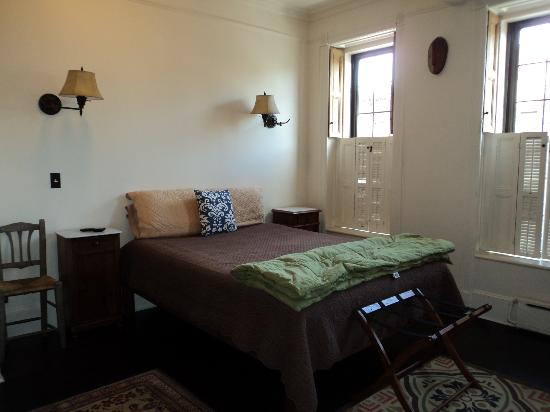 Margot Guest House: Ample bedroom