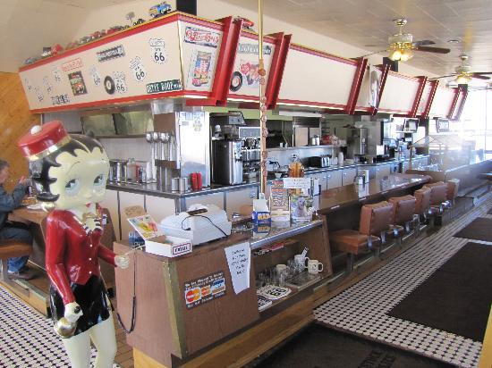 Goldie's Route 66 Diner: Interior