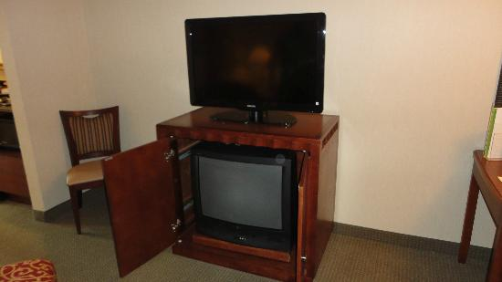 DoubleTree Suites by Hilton Hotel Philadelphia West: 4 TVs in my room!