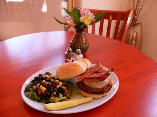 Shady Brook Cafe: Western Burger with Housemade Black Bean Salad
