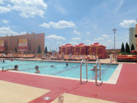 Roof Top Pool Picture Of Golden Nugget Atlantic City Tripadvisor