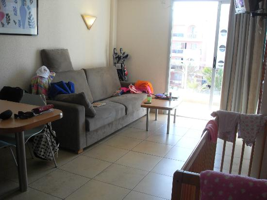 Family Life Alcudia Pins: front room