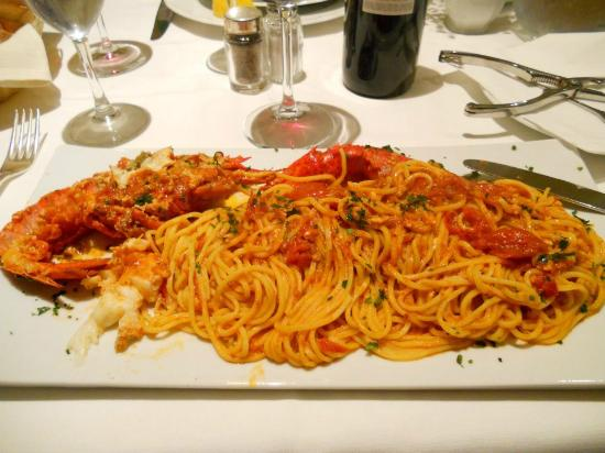 Hotel Mara: Large pasta portion with lobster