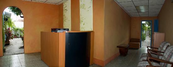 Tangara Guest House: Recepcion