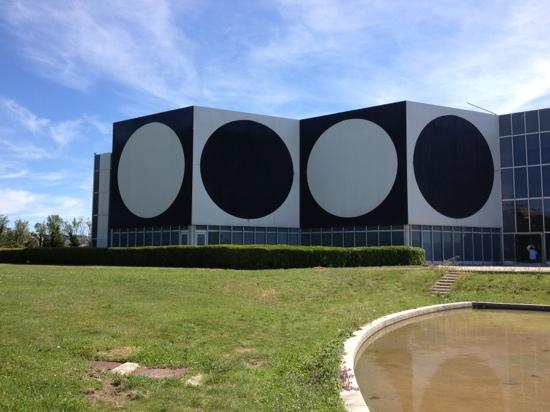 Foundation Vasarely: the building