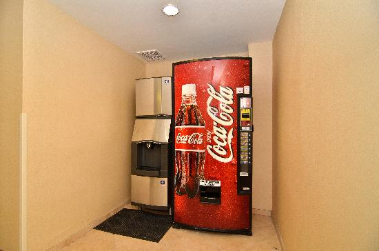 Hampton Inn & Suites Nacogdoches: Sodas and Ice