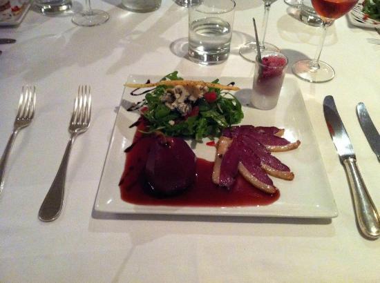 Hotel Chateau Beau Jardin: Poire au vin du Médoc
