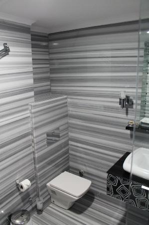 Kumru Hotel: Bathroom