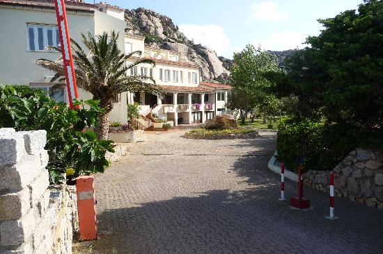 Hotel Ristorante Nido D'Aquila : le batiment de taille familiale