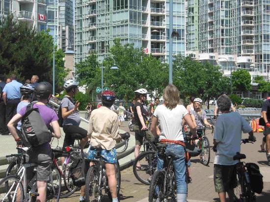 Art Wheelers : bike tour